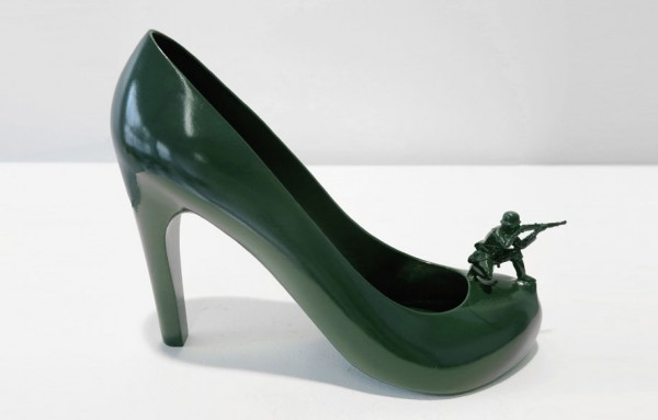 Gi Jane Barbara b2ap3_thumbnail_12-shoes-for-12-lovers-sebastian-errazuriz-11-600x383