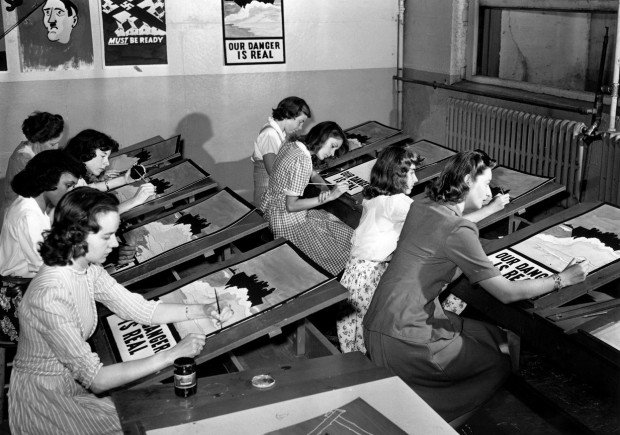 Women painting propaganda WWII